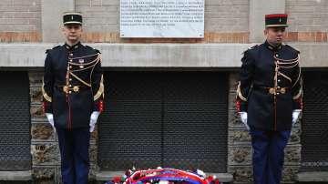 В Париж откриха паметни плочи за жертвите на атентатите от 13 ноември 2015 г.