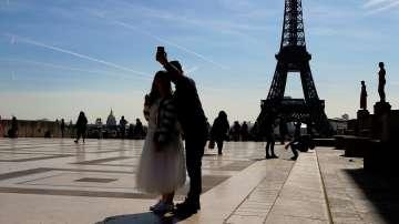Как гласуват в Париж и във френската провинция