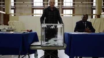 Във Франция отчитат по-висока избирателна активност