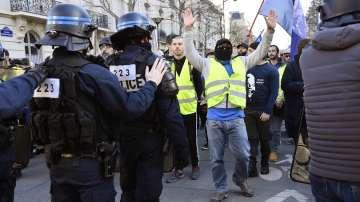 Във Франция отбелязаха 3 месеца от протестите на жълтите жилетки