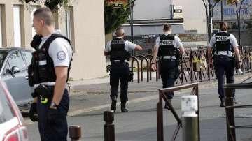 След две години Франция отмени извънредното положение