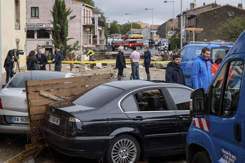 Най-малко шест души са загинали при наводненията в югозападния френски