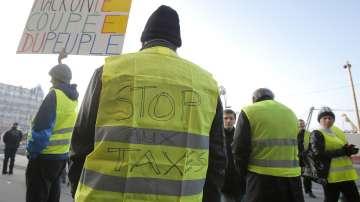 Транспортен хаос във Франция заради протеста срещу цените на горивата