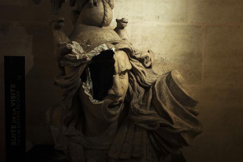снимка 4 Макрон посети Триумфалната арка след вчерашните безредици