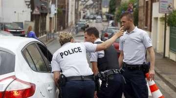 Френската полиция разби терористична мрежа, готвеща атаки в страната