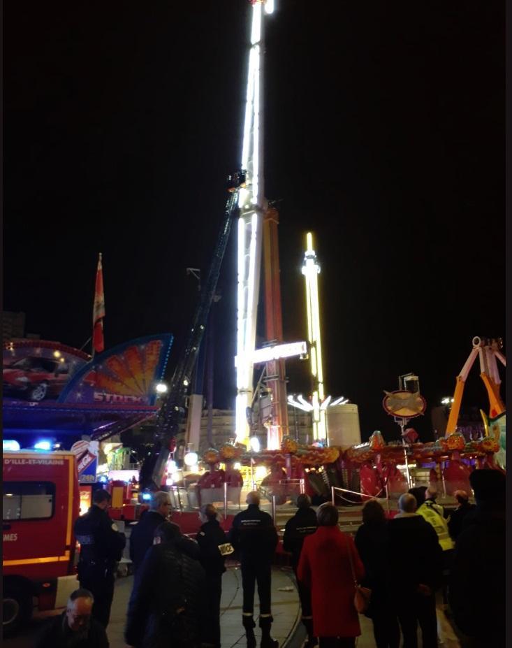 Осем души прекараха новогодишната нощ в увеселителен парк в Рен,