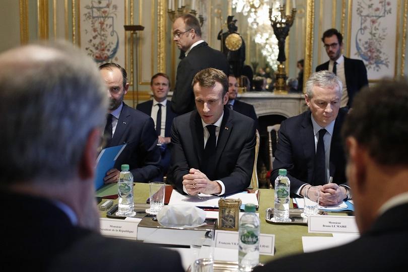 Премиерът на Франция Едуар Филип оглави междуведомствен кризисен щаб във