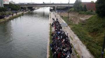 Евакуираха най-големия незаконен мигрантски лагер в Париж