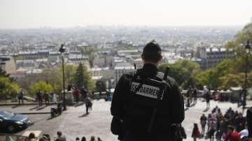 Нападателят от Шанз-Елизе е бил добре познат на полицията