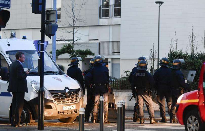 безредици нант полицай простреля смъртоносно млад мъж