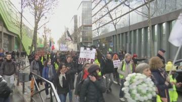 Остава стачната мобилизация във Франция