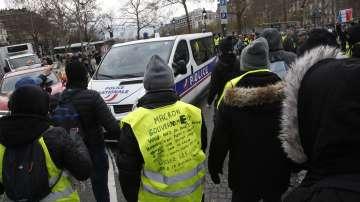 Полицай рани един от лидерите на жълтите жилетки