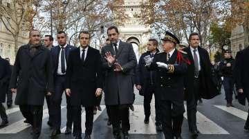 Президентът Макрон възложи на премиера Едуард Филип среща с жълтите жилетки