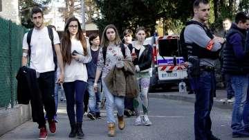 17-годишен откри стрелба във френско училище и рани 8 души