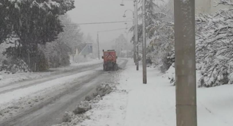 Необичаен сняг в южна Франция в началото на декември, сняг