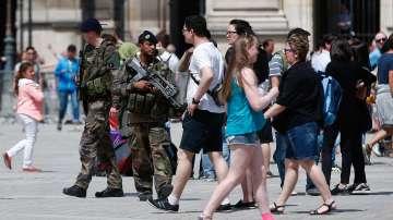 Свещеник беше убит при нападение в църква във Франция