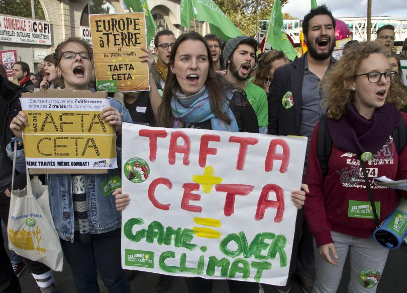 Протести срещу търговските споразумения на ЕС със САЩ и Канада
