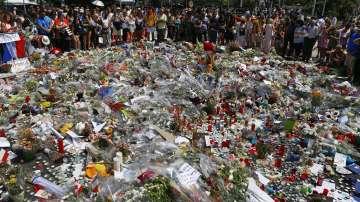 Франция почете с минута мълчание жертвите от Ница
