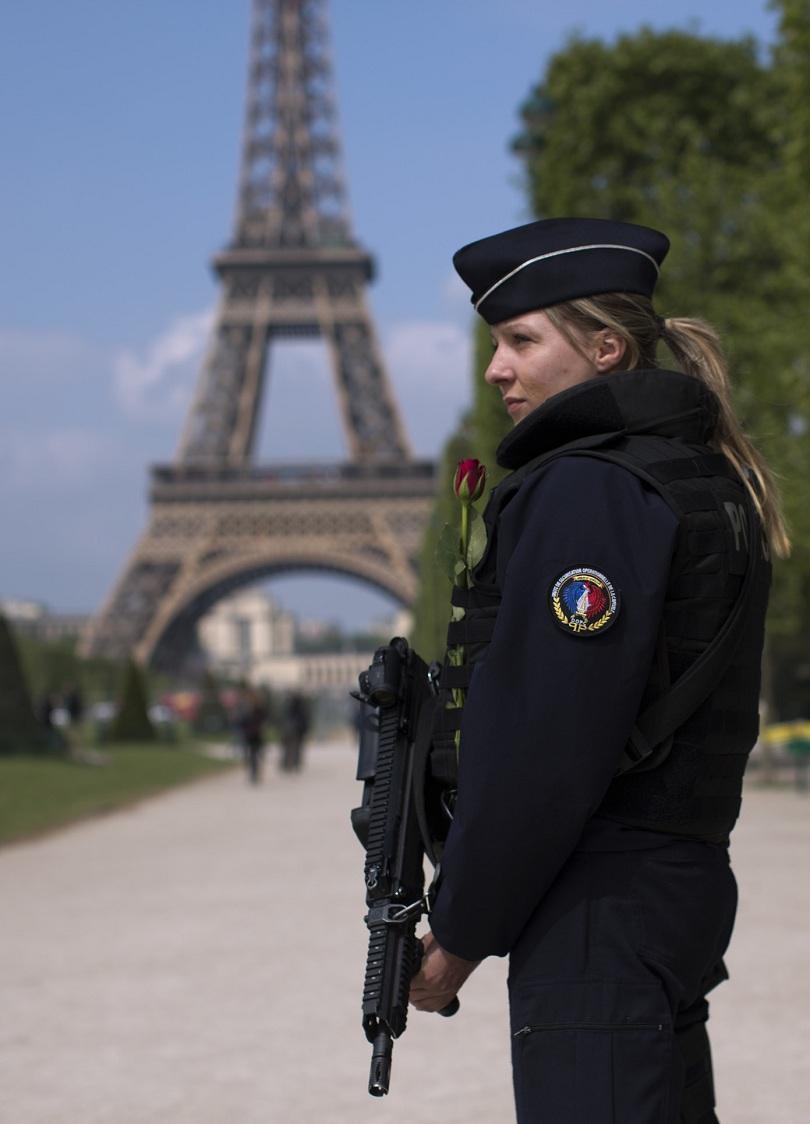 снимка 1 За първи път утре французите ще гласуват в извънредно положение