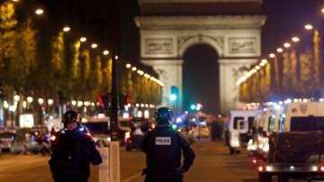 Стрелецът от Париж е имал 15-годишна присъда за нападение на полицай