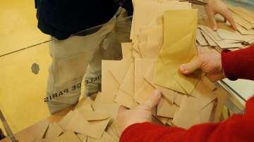 Франсоа Фийон печели предварителните президентски избори във Франция