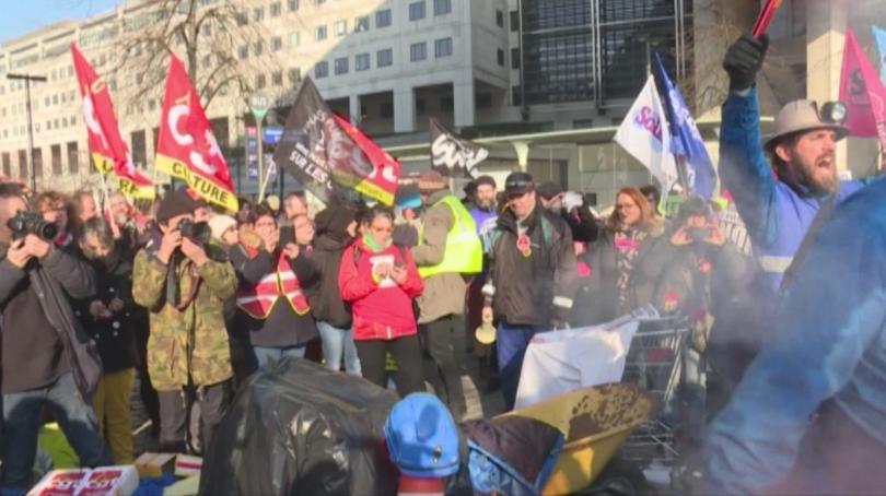 Нова форма на протести срещу пенсионната реформа излиза на преден