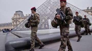 Извънредното положение във Франция беше отменено след две години
