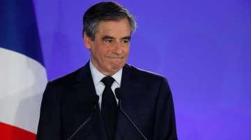 И Франсоа Фийон призова избирателите си да гласуват за Макрон
