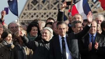 Франсоа Фийон проведе предизборен митинг в Париж