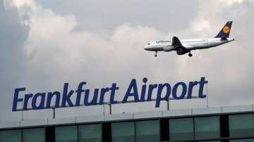 Летището във Франкфурт отмени над 170 полета заради снеговалежи