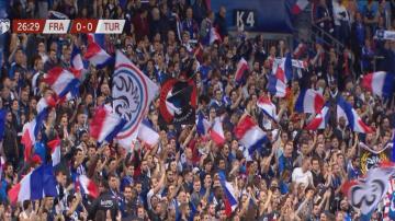 Мачът Франция-Турция в Париж премина без проблеми