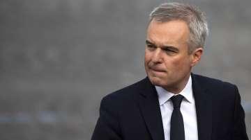 Френски министър подаде оставка заради скандал с харчене на държавни пари