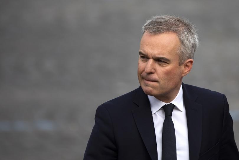 Френският министър на околната среда Франсоа дьо Ружи подаде оставка