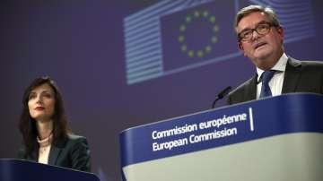 ЕК засилва мерките срещу фалшивите новини преди евроизборите