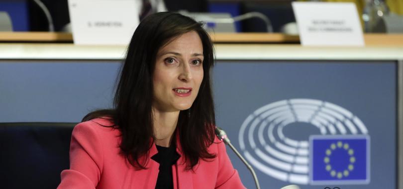 Мария Габриел успешно премина изслушването за еврокомисар. Тя получи единодушното