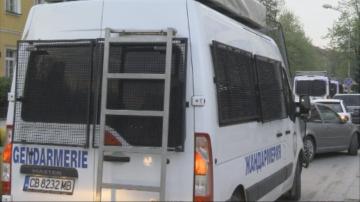 Габрово продължава да бъде под полицейска блокада и днес