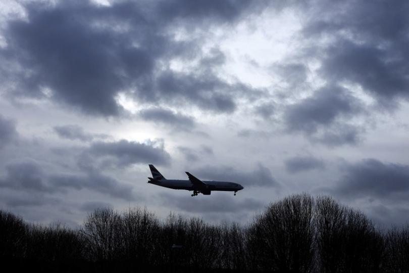 Лондонското летище Гетуик отново възобнови работа след кратко спиране на