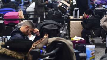 Летище Гетуик остава затворено: Хиляди пътници са блокирани