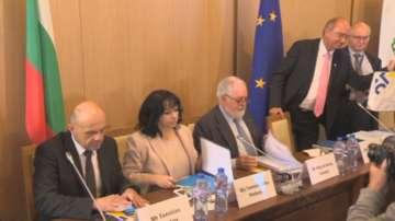 България подписа ново споразумение за газовата връзка с Гърция