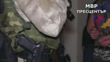 ГДБОП разби канал за незаконен трафик на бежанци