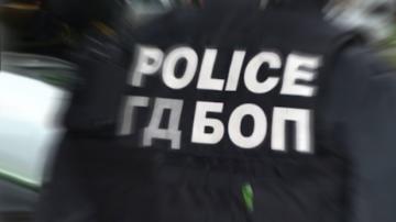 Седем души са задържани при специализирана акция на ГДБОП край Казанлък