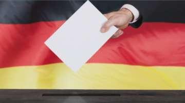 Меркел започва преговори за управляваща коалиция