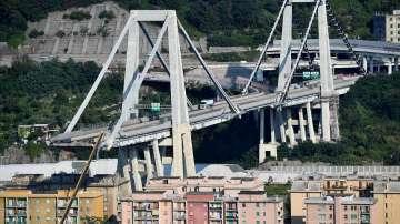Забраниха достъпа до жилищата под моста в Генуа