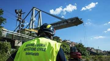 Разследват близо 20 души за срутването на моста в Генуа