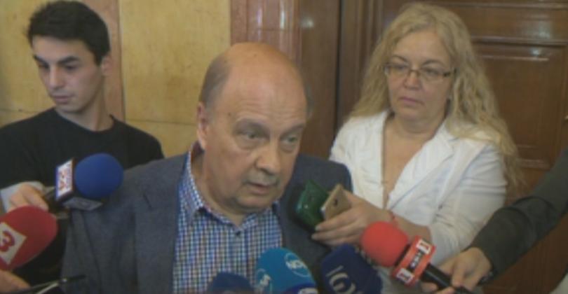 Днес в кулоарите на Народното събрание депутатът от ГЕРБ Георги