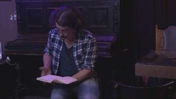 Журналистът на БНТ 2 Георги Велизаров представи свои стихотворения