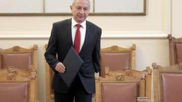 Служебният премиер заяви, че не му е оказван натиск за уволнения
