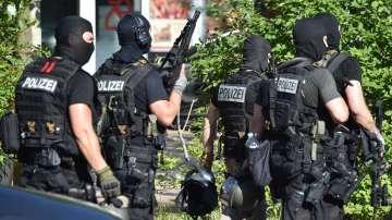 Въоръжен мъж откри стрелба в киносалон в Германия