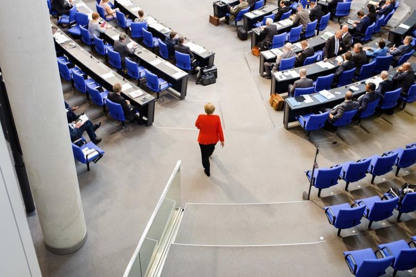 В германския Бундестаг депутатите обсъждаха неонацистките демонстрации след смъртоносното пробождане