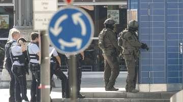 Въоръжен мъж взе жена за заложник в Кьолн
